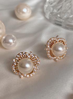 pearl cliff pearl earring