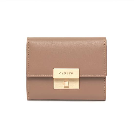 Carlyn Madison Wallet W79362010(E)