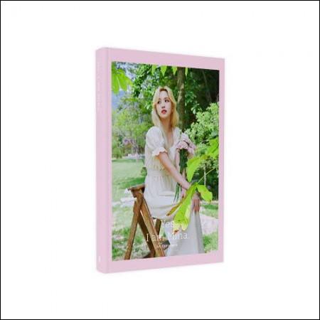 Mina - 1ST PHOTOBOOK [Yes, I am Mina] (Pink Ver.)