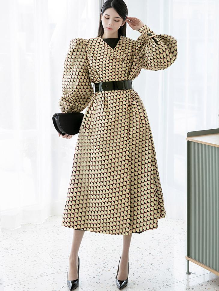 J9035 宽袖印刷大衣 (腰带组合) *能用以连身裙着用*