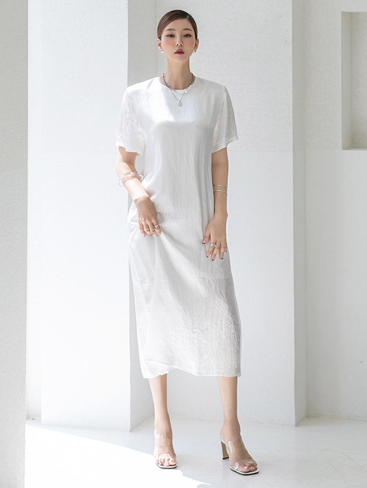 D4284 光泽简约半身中长连衣裙