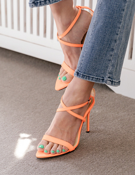 This Adel Strap Sandal Hill 91476