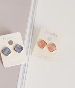 Elegant earring <br>