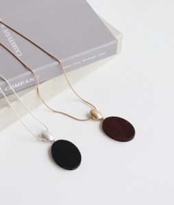 <br> Round Wood Necklace <br><br>