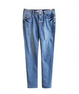 <br> One cutting target skinny pants <br><br>
