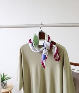 <br> Silk scarf <br><br>
