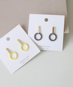 <br> Sangcom acrylic circle earring <br><br>