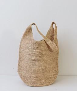 <br> feminine raffia bag <br> - Not returned or exchanged;