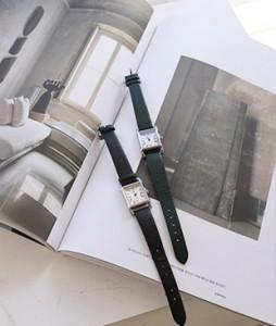 u&i wrist clock<br>