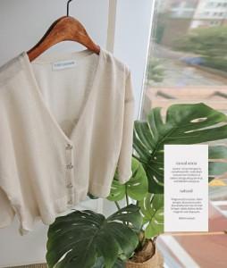 simple V-neck60 cardigan<br>