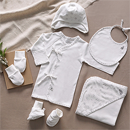 Bamboo Four Season Newborn Baby Clothing Gift Set (Flower Pattern)