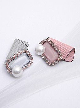 [YY-BR038] Leather Square Pearl Brooch