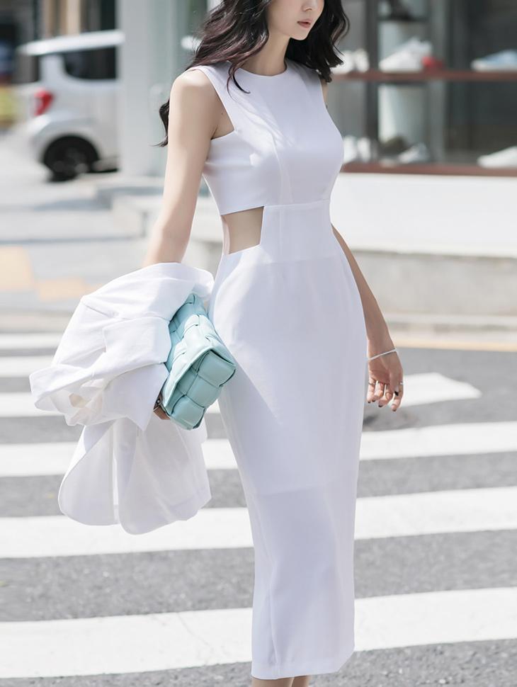 D9171 square Point Dress