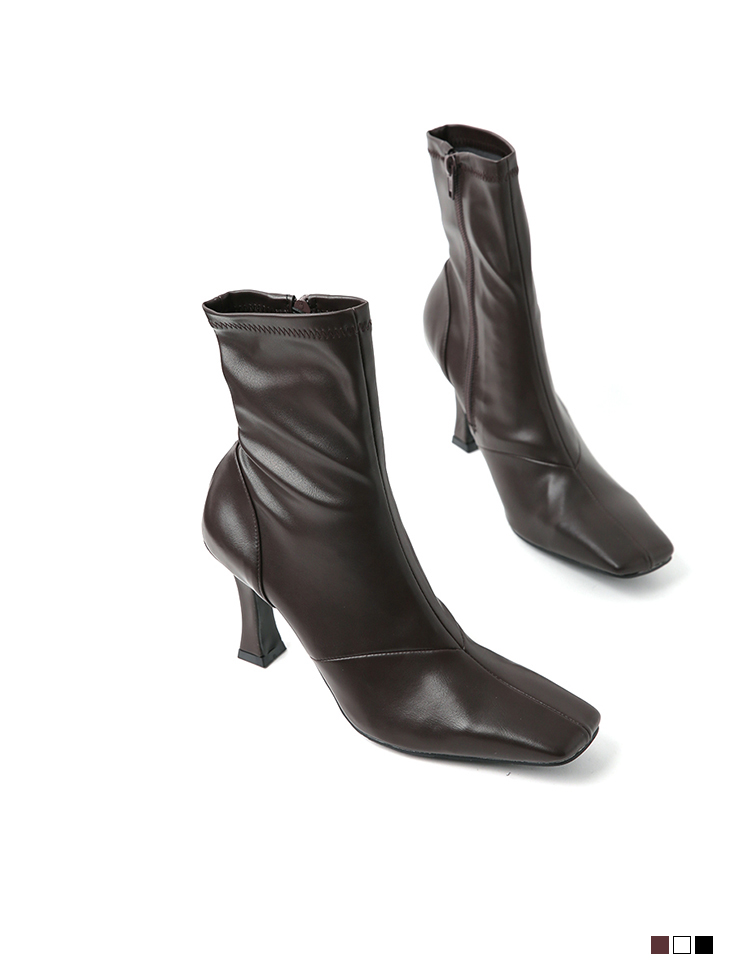AR-2632 square Leather ankle boots