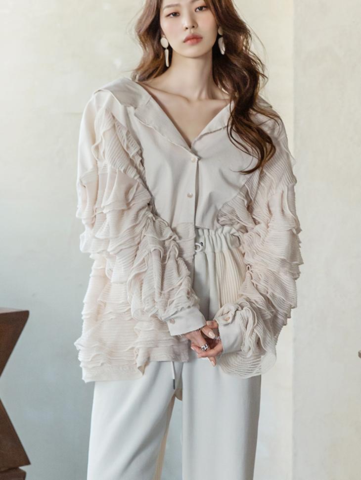 B2647 natural cutting ruffle blouse