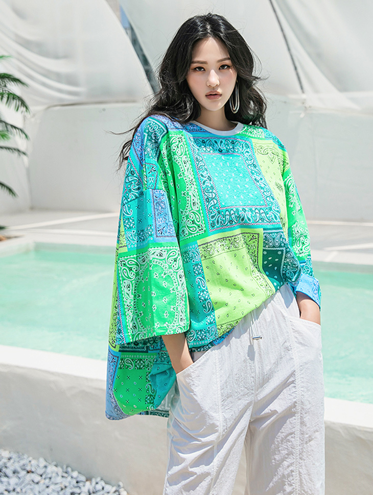 E2487 테일 Cotton Paisley over fit Round neck Top(9h REORDER)