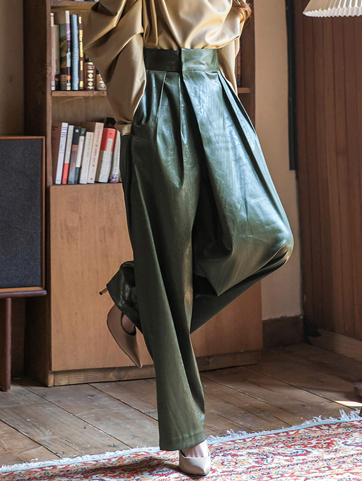 P9093 Leather pin tuck warp banding wide pants