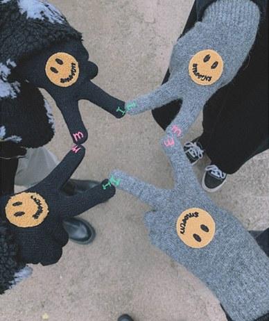 Smile Wool Gloves