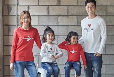"<font color=""ffffff"">[Family long sleeve tee & family look] <br></font> family finger heart long sleeve 18C02 <font color=""red""><b> </b></font>"