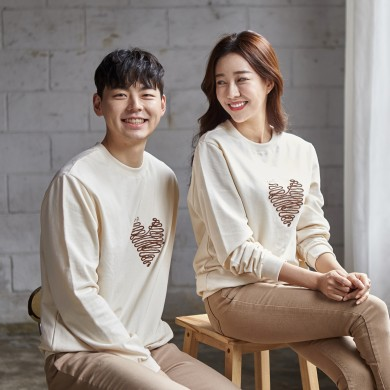 "<font color=""ffffff"">[Family Long Sleeve Tee & Family Look]<br></font> Unisex Chocolate Heart Man to man 20C04<font color=""red""><b> </b></font>"