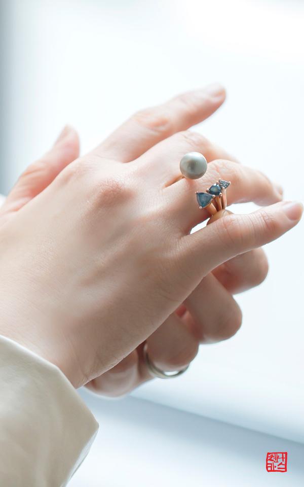 1093249 - [나스첸카 NASCHENKA] 아이 I ii - 14K 흑진주 반지 런던블루 반지 청다이아몬드 반지