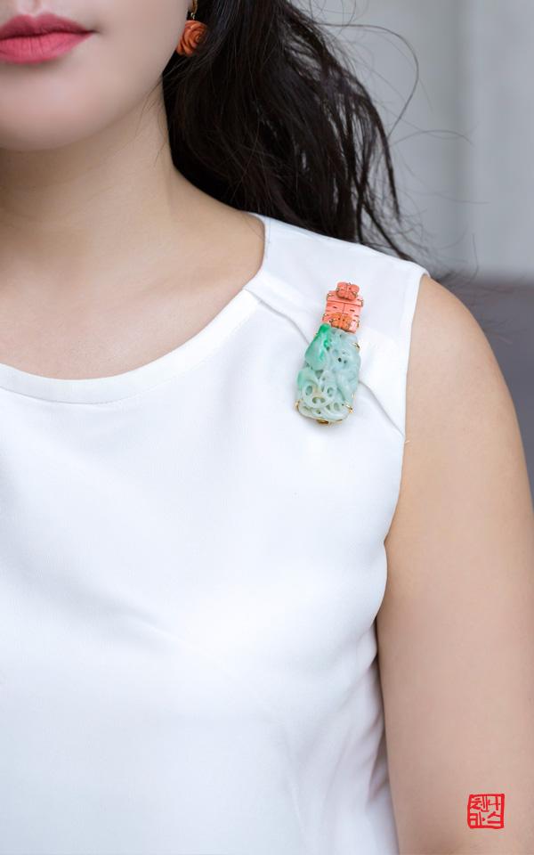 1232320 - [나스첸카 NASCHENKA] 기품있는 이런 비취는 여성명사 _ jade 비취 브로치 산호 브로치