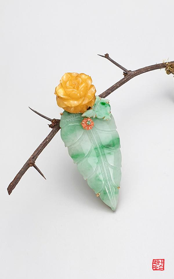 1509369 - [나스첸카 NASCHENKA] 호박꽃 필때 _ 호박브로치 비취브로치