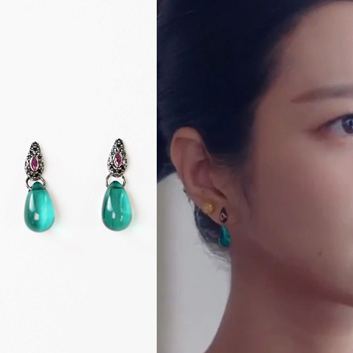 K-drama[It's Okay to Not Be Okay]/Seo Yeji st. INDIAN GREEN DROP PIERCE (2color)