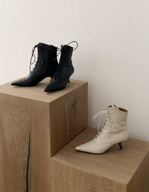 50030 lace-up boots ♩