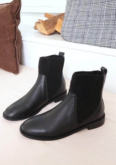 Shibori sheepskin boots