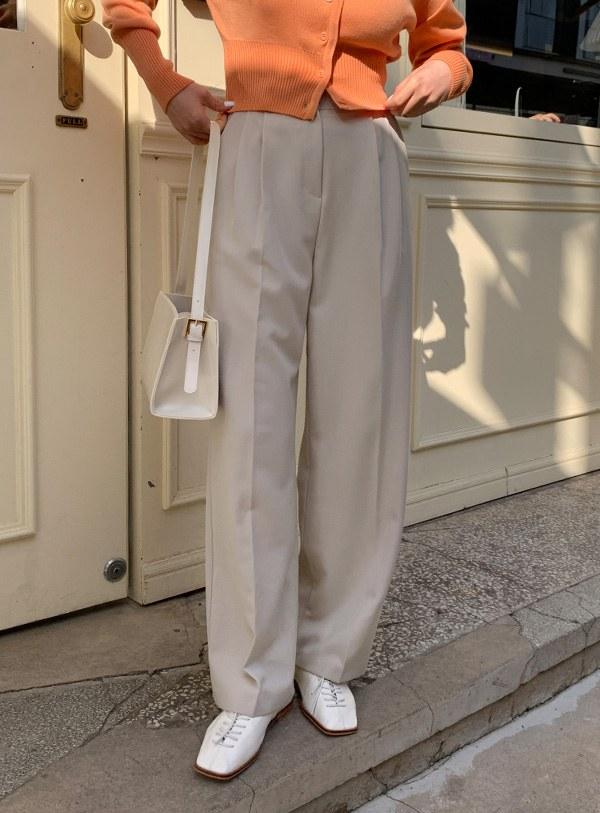 Spence Two Pin Tuck pants / softbeige