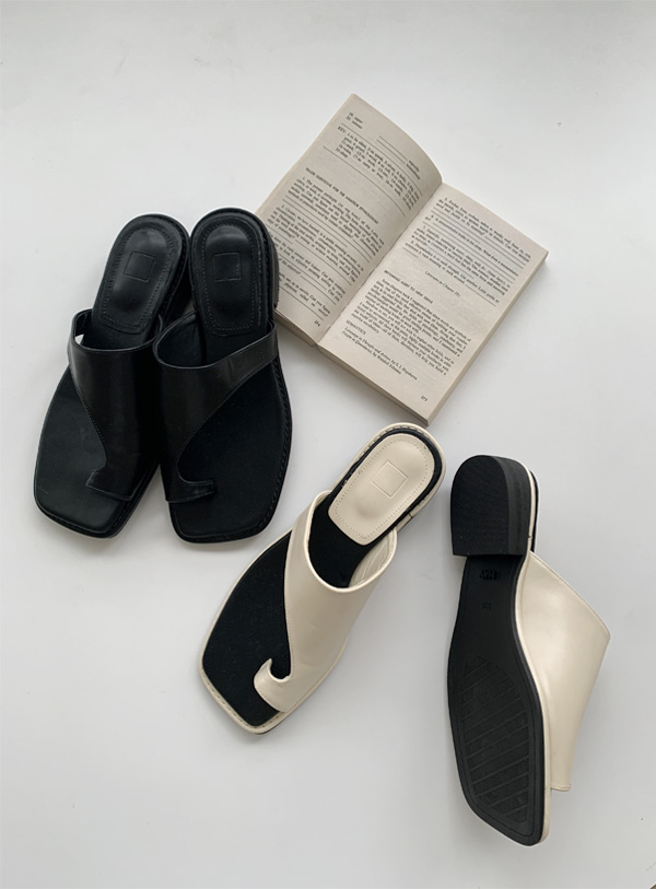 Unfooted Strap Shoes (*2color)