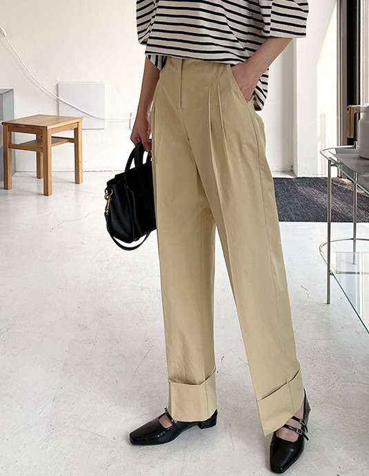 Wide roll-up pants