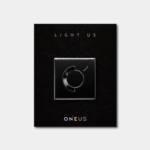 [ONEUS] LIGHT US BADGE