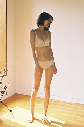gonggi, underwear