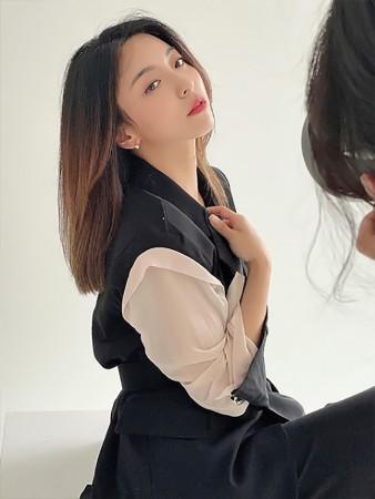 DINT CELEB<br><br> <b>Instagram</b><br> Luna<br><br> TP1070韓国