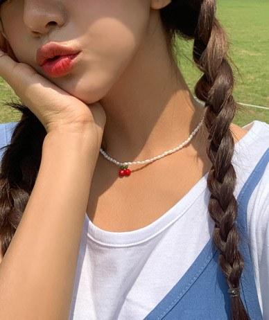さくらんぼ真珠のネックレス