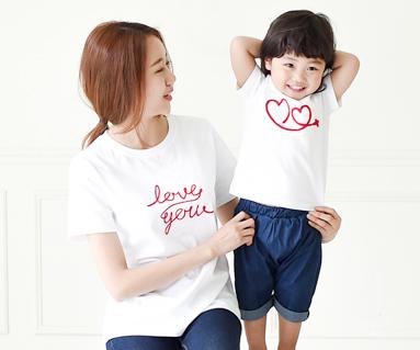 フライング円形の母親と赤ちゃんショートTシャツ_15B20