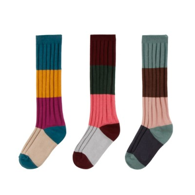 RIBBED COLOR BLOCK KNEE SOCKS