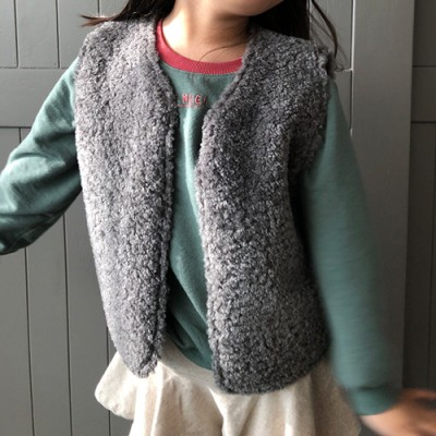 REVERSIBLE DUMBLED VEST: GRAY