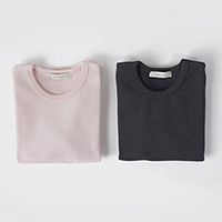 little basic soft tee<br/> [baby pink / charcoal]<br/> Peach brushed dot basic tee: D<br/>