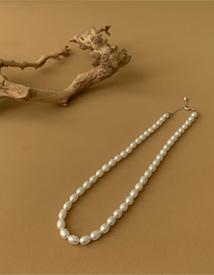Melanie jinju necklace