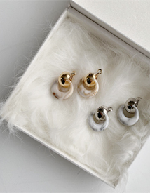 Marble round earring