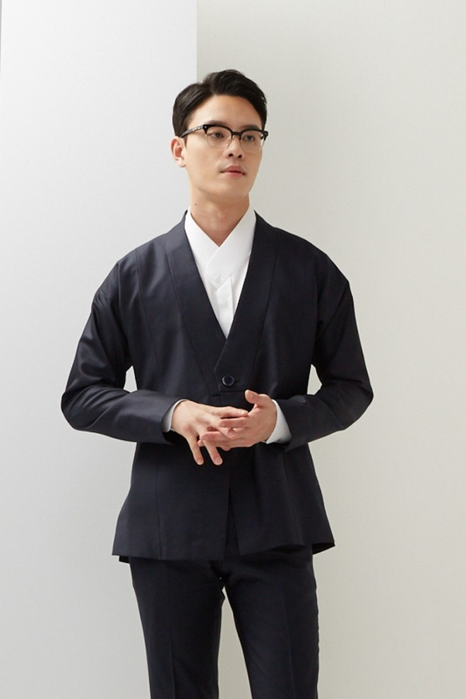 Navy Symmetric Lapel Hanbok Suit Short Jacket