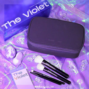 The Violet Pouch For Travellers