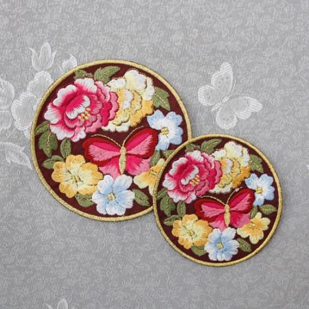 韩服饰品圆形刺绣蝴蝶花园两种红色韩服饰品
