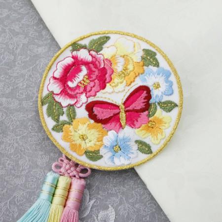 韓服装飾円形刺繍バタフライガーデンホワイト2種韓服部材