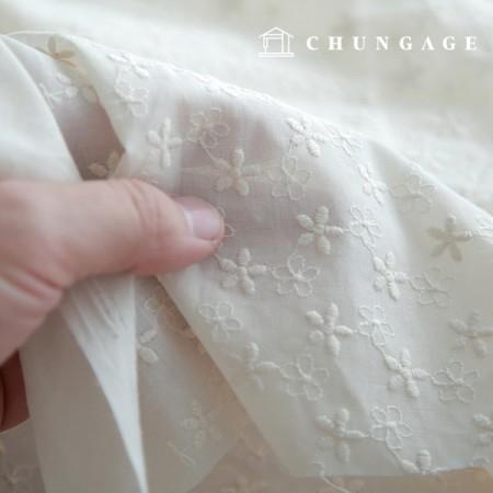 面レイス刺繍生地ミニ刺繍クローバーナチュラル