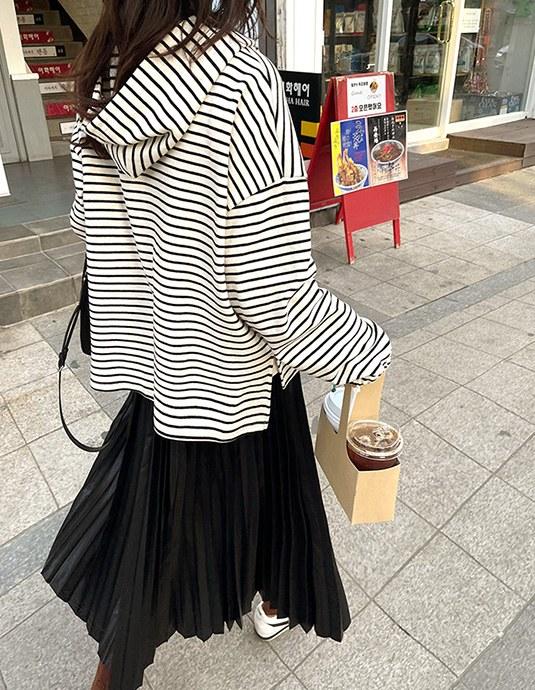 [5% discount until 11 am 11th] Stripe Hoodie
