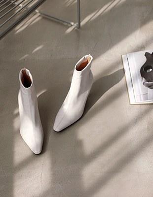 Felix slim ankle boots